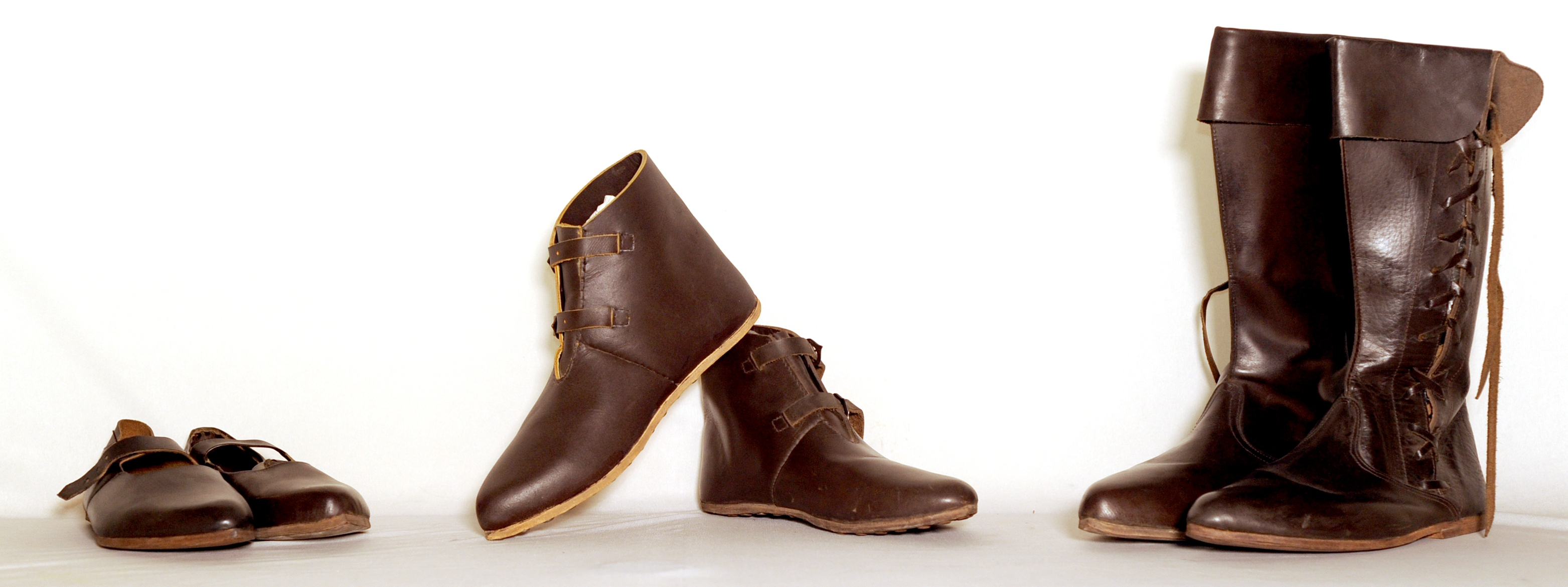 49e86bb975 Buy Medieval shoes - historical footwear, cut pattern, mens, leather ...
