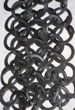 Chainmail stripes – 9mm flat rings, full riveted (wedge rivets)